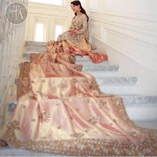 Ainy Jaffri's latest Photoshoot for Farah Talib Aziz (5)