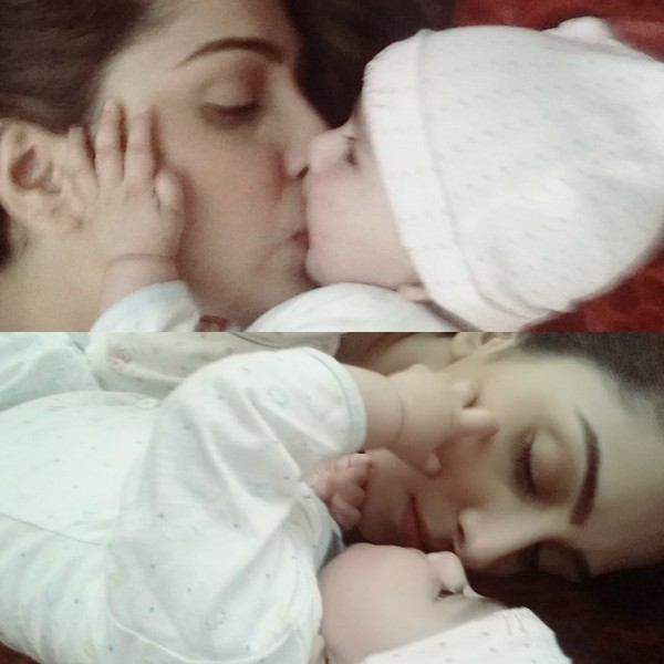 Ayeza Khan spending time with her Daughter (4)