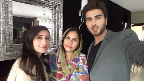 Cast of Tum Kon Piya and Mann Mayal with Zaid Ali (4)
