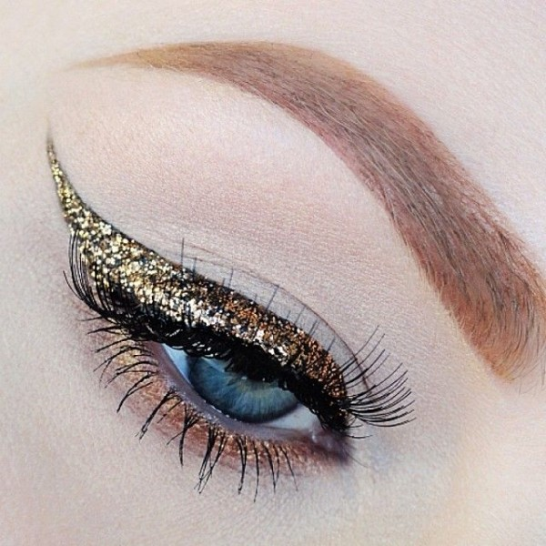 Colorful Graphic eyeliner-gold glitter