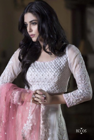 Maya Ali's clicks for Maria (5)