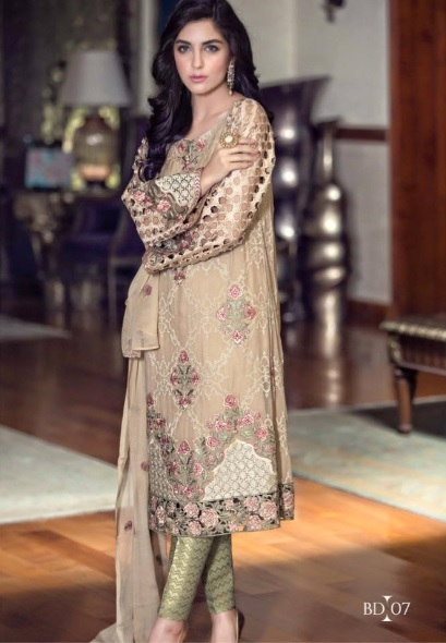 Maya Ali's clicks for Maria (6)