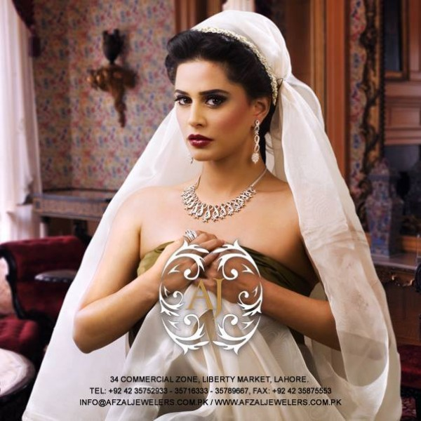 Pakistani Celebrities endorsing Afzal Jewelers (14)