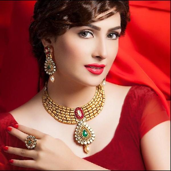 Pakistani Celebrities endorsing Afzal Jewelers (5)
