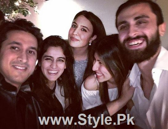 Pictures of Pakistani Celebrities on New year's Eve (6)