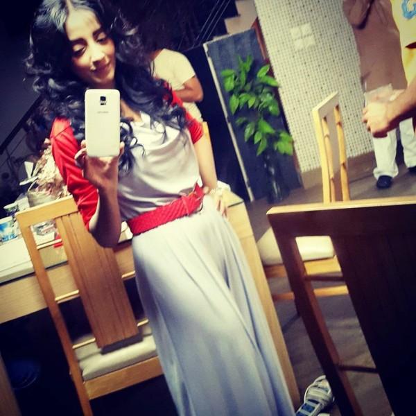 Unseen  Sanam Chaudhry Selfie Photoshoot- mirror