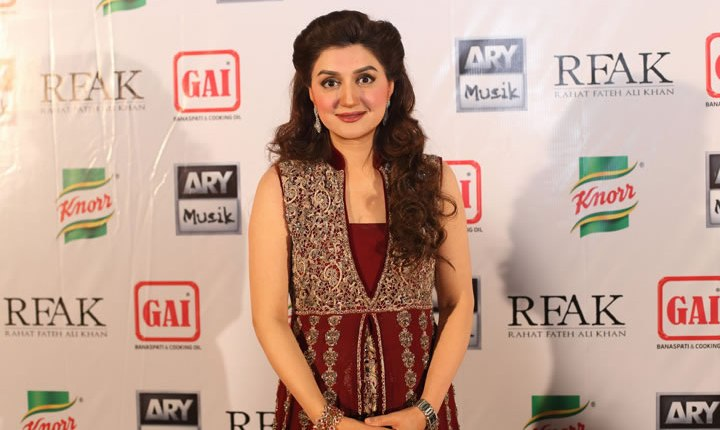 """See Ayesha Sana says my Ex-Husband is responsible for my """"Bright Krein"""" Video"""