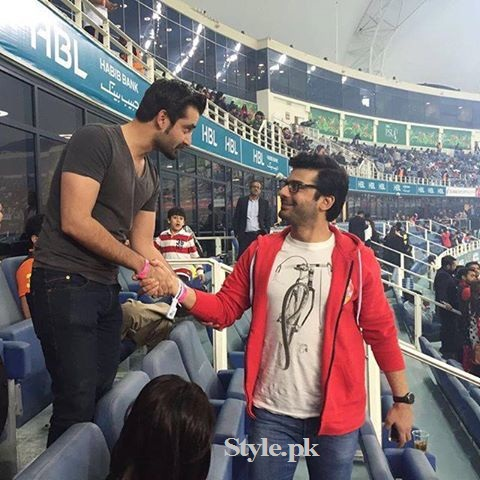 Fawad Khan with Family at PSL Opening Ceremony in Dubai (2)