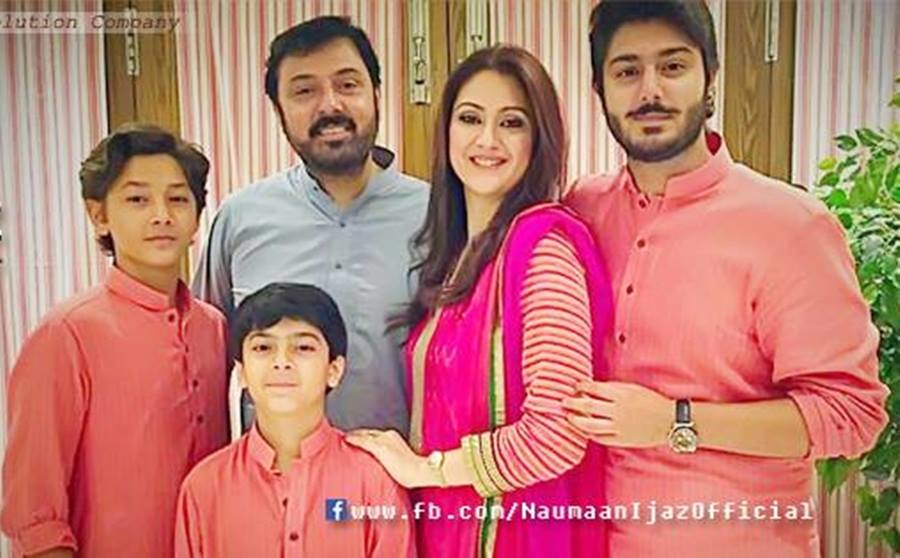 Adorable Family Pictures Of Noman Ijaz With Wife Amp Three