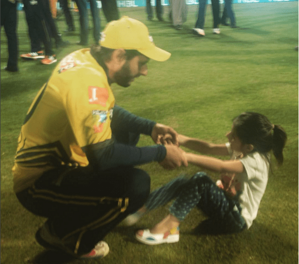 Shahid Afridi with His Daughters at PSL.daughters