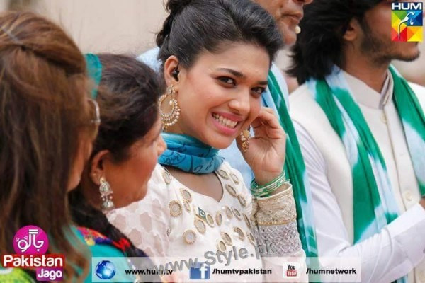 Top 10 Pictures in which Sanam jung is smiling high (3)