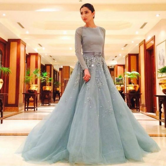 Who Look More Beautiful in Cinderella Gown.maira again