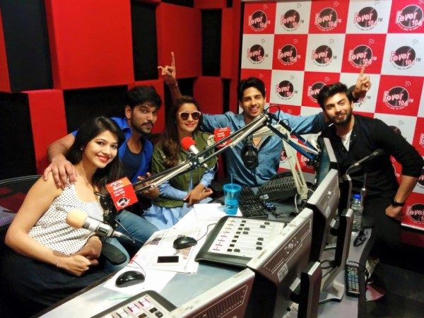 Fawad Khan, Alia Butt and Sidharth Malhotra having fun during promotion of Kapoor and Sons (5)
