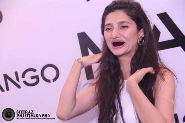 Mahira khan funny