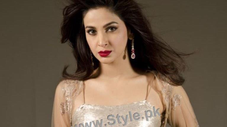 See Top 5 Beautiful Pakistani Actresses