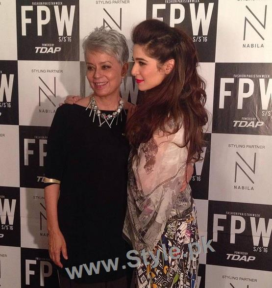 Looks of Pakistani Celebrities at FPW'16 Day 1 (11)