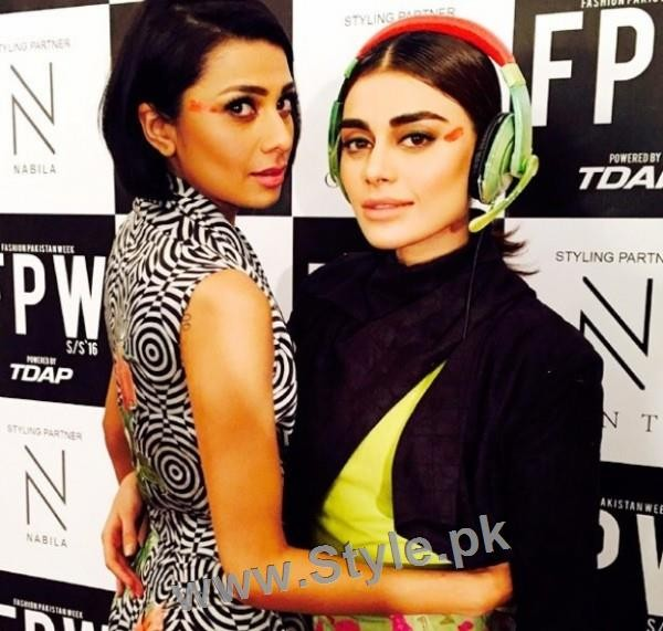 Looks of Pakistani Celebrities at FPW'16 Day 1 (2)
