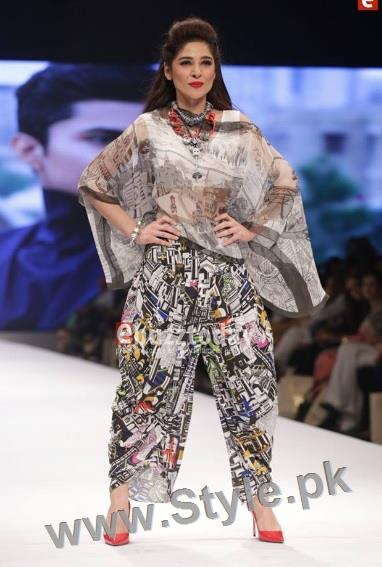 Looks of Pakistani Celebrities at FPW'16 Day 1 (7)