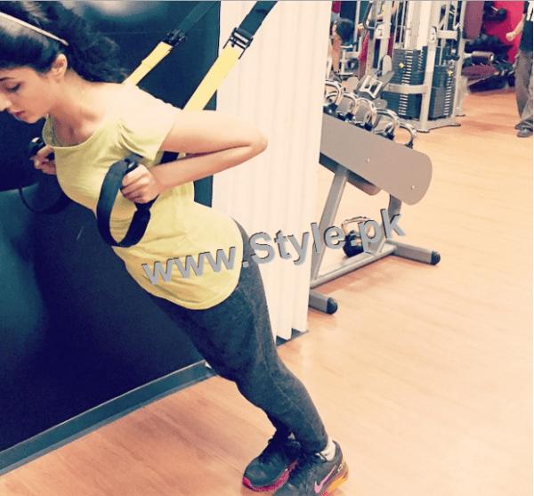 Mawra Hocane works hard in Gym (4)