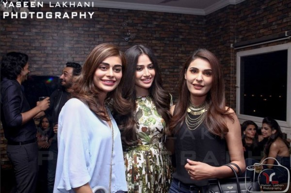 Sana Javed is an actress who has many close friends in Industry (10)