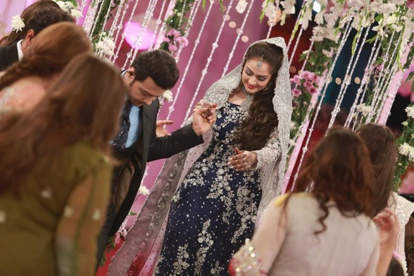 Ahmed Hassan and Nousheen Ibrahim' Reception pictures (11)