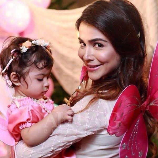 Humaima Malick arranged a birthday party for her niece Ziyara Malik (2)