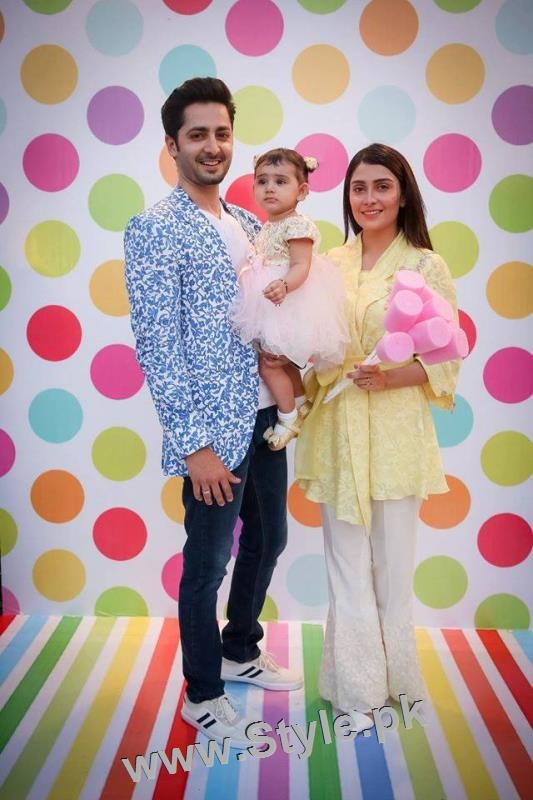 Pakistani Celebrities at Birthday Party of Momal Sheikh's son (3)