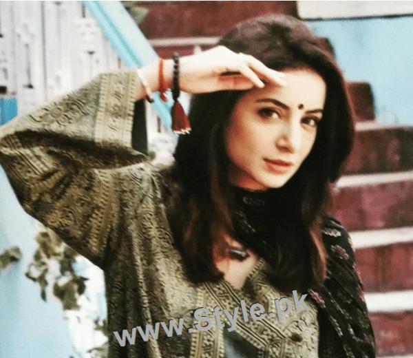 Recent Pictures of Sarwat Gillani as Hindu girl (4)
