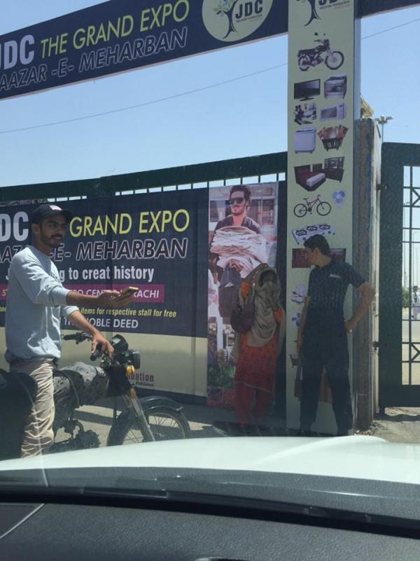 Ahsan Khan arranged Bazar e Ramzan for Needy People (10)