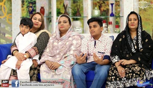 Amjad Sabri (Late) with his Family (7)