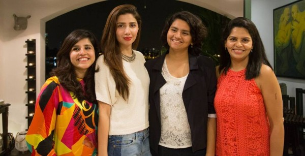 Mahira Khan in Singapore with her fans (4)
