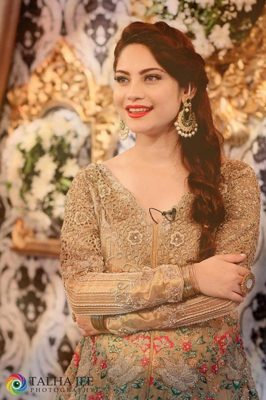 Neelum Muneer on the set of upcoming Eid Show (2)