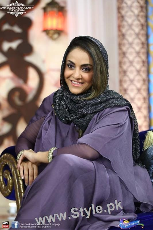 Recent Pictures of Nadia Khan in The Morning Show (3)