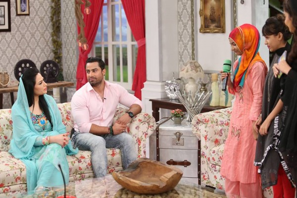 The reunited couple Humaira Arshad and Ahmed Butt on screen (2)