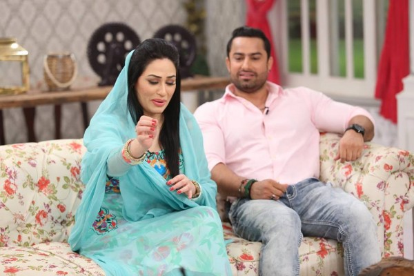 The reunited couple Humaira Arshad and Ahmed Butt on screen (4)
