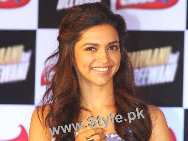 Top 10 Hairstyles you need to copy from Deepika Padukone (7)