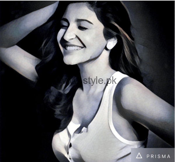 Bollywood Celebrities who are addicted to Prisma App (10)