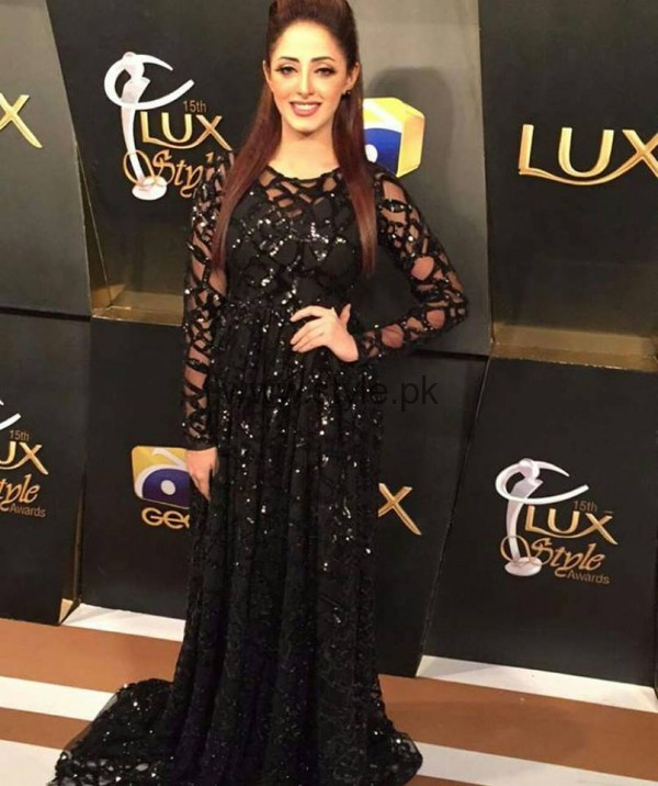 Pakistani Celebrities at Lux Style Awards 2016 (18)