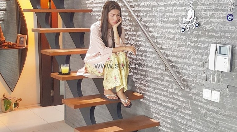 See Pictures of Ayeza Khan from Shehrnaaz