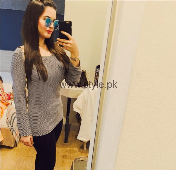 Aiman Khan and Minal Khan are enjoying in Thailand (4)