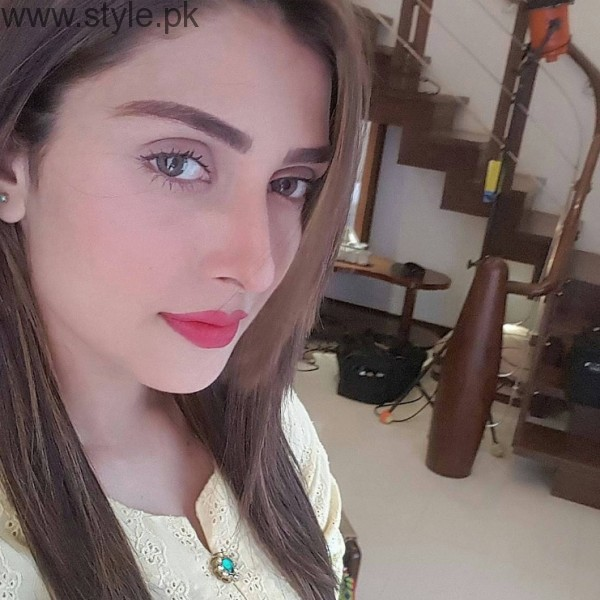 Ayeza Khan Beautiful In Yellow Dress