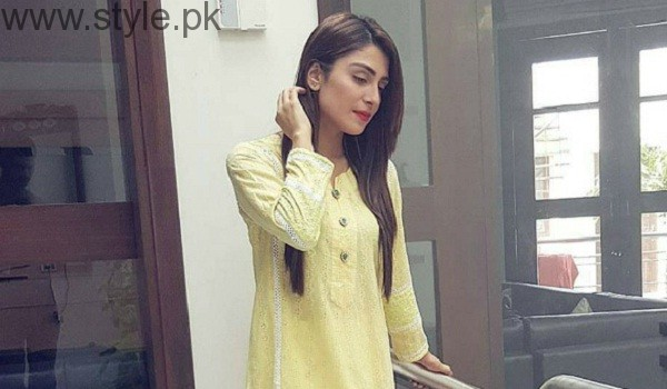 Ayeza Khan Looking Elegant
