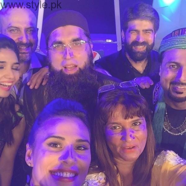 Junaid Jamshed With Pakistani Singer