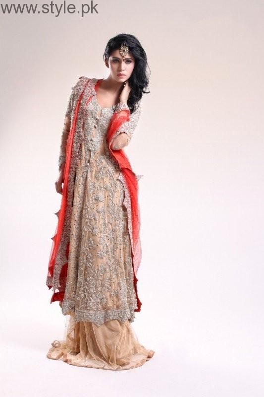 Latest Pakistani Engagement Dresses (10)