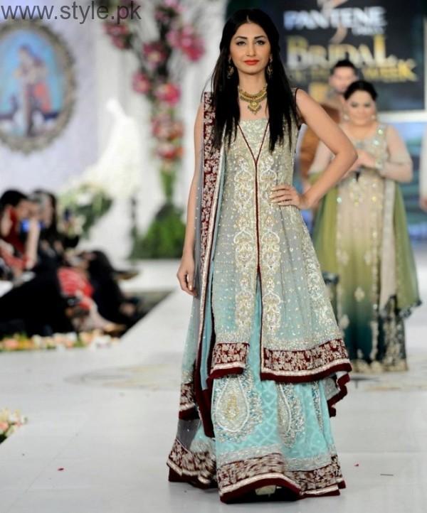 Latest Pakistani Engagement Dresses (15)