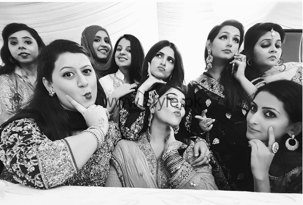 Pictures of Arij Fatyma at her Friend's Wedding (4)