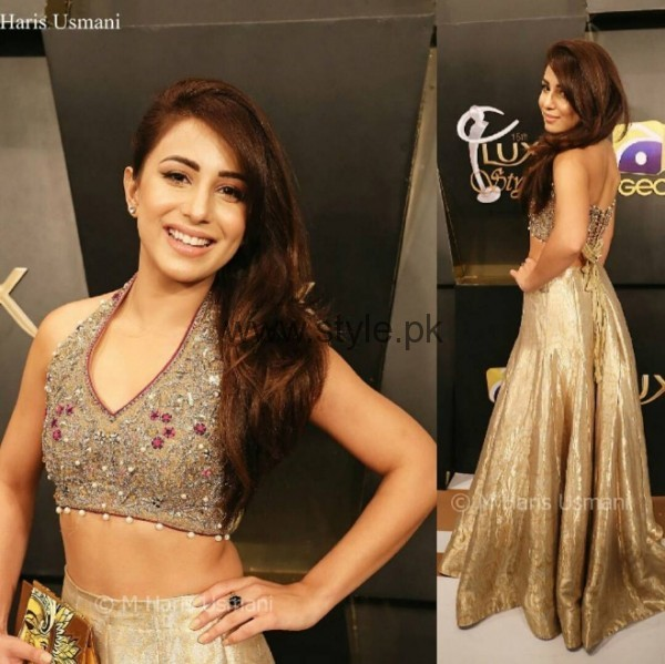 Ushna Shah at Lux Style Awards 2016