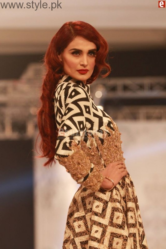 HSY at PFDC L'Oréal Paris Bridal Week 2016 Day 1 002 (2)