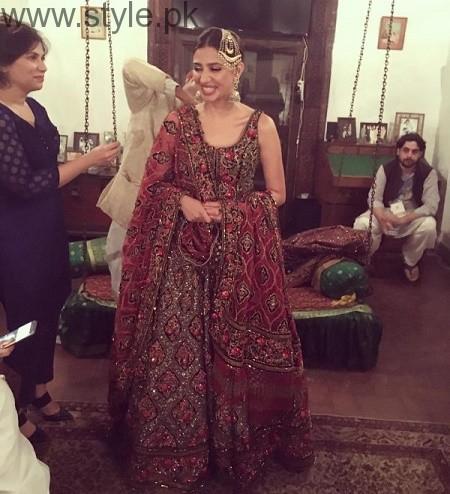 Mahira Khan and Ali Zafar walked on ramp for Divani Couture 2016 (3)