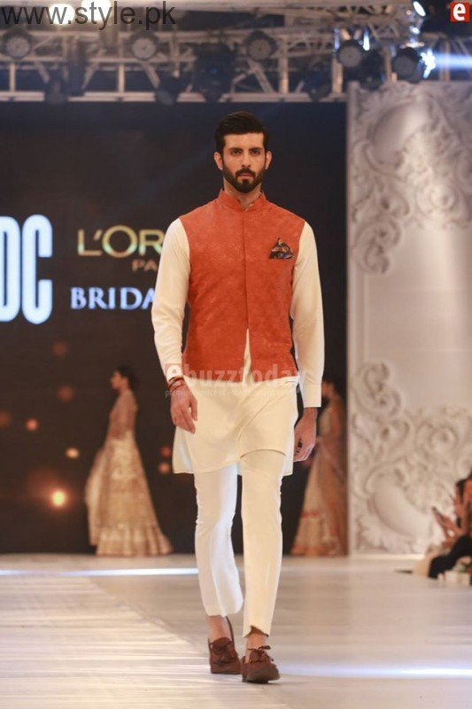 Sania Maskatia at PFDC L'Oreal Paris Bridal Week 2016 Day 1 (15)